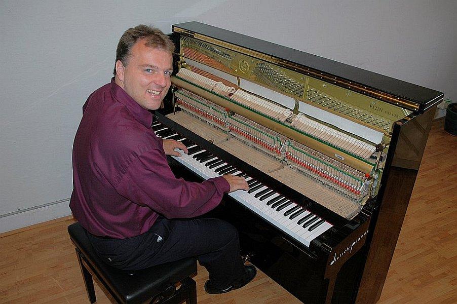 Piano-Brothers101.jpg