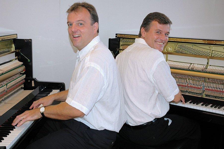 Piano-Brothers302.jpg
