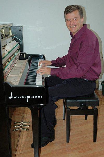 Piano-Brothers303.jpg
